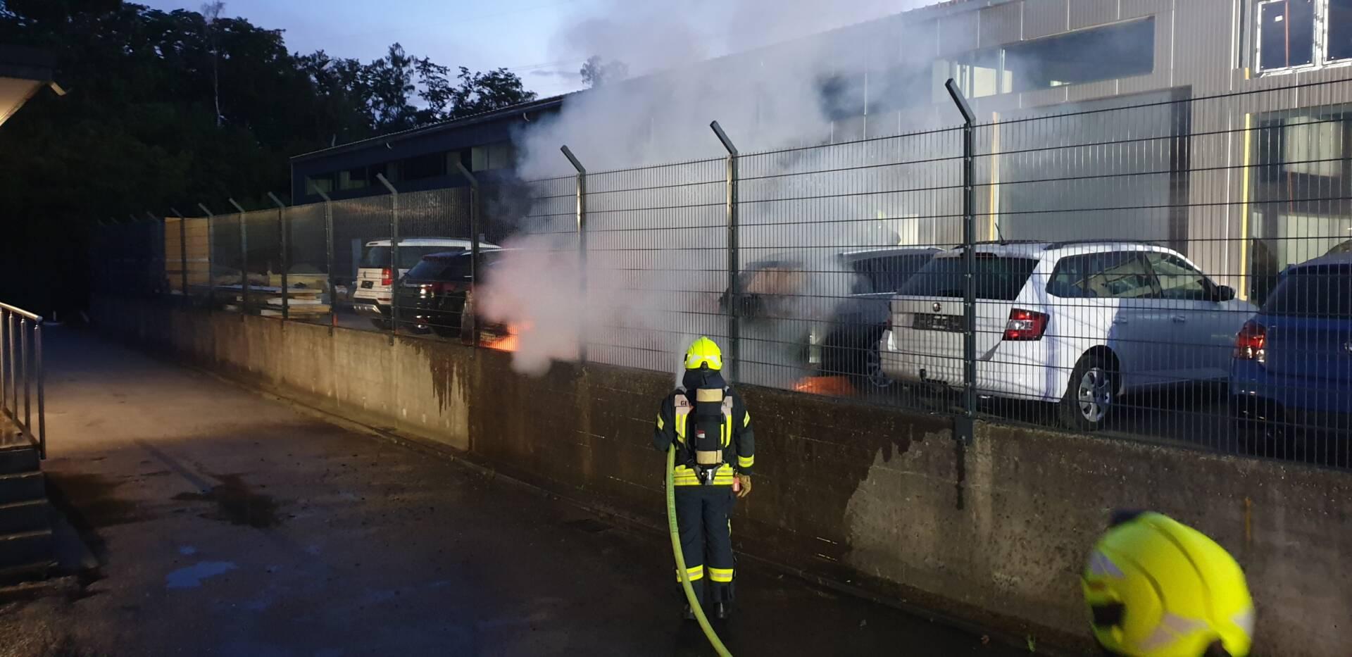Autos brennen