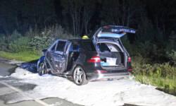 Der teilweise ausgebrannte Mercedes