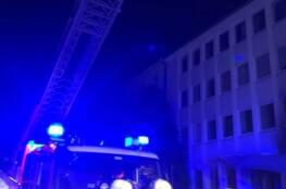 Einsatzkräfte und Drehleiter der Feuerwehr Bonn